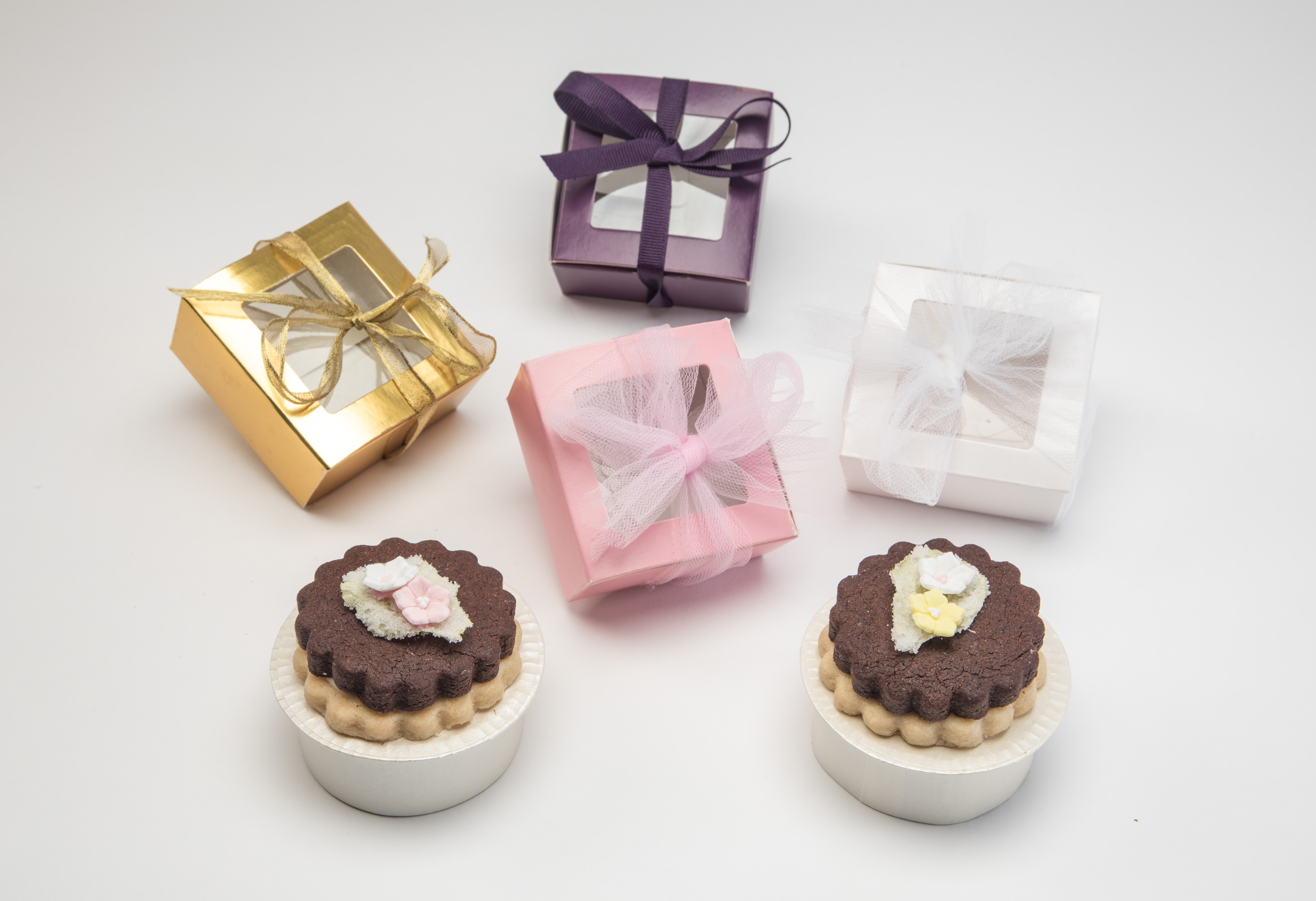 Adorable and Charming Cookie Favors - Tastes Divine